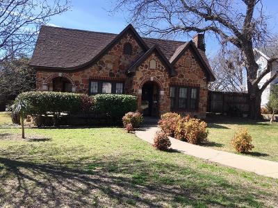 Comanche County Single Family Home For Sale: 501 N Elm Street