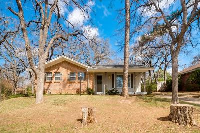 Hurst Single Family Home For Sale: 840 Joanna Drive