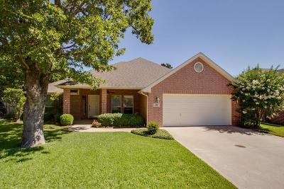 Burleson Single Family Home For Sale: 805 Royal Oak Lane