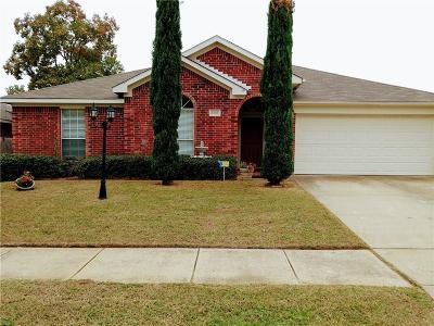 Kennedale Single Family Home For Sale: 1128 Greenview Lane
