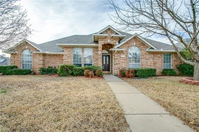North Richland Hills Single Family Home For Sale: 8132 Lost Maple Drive
