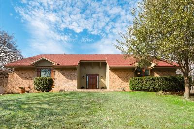 North Richland Hills Single Family Home For Sale: 6761 Greenacres Drive