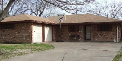 Grand Prairie Single Family Home Active Option Contract: 237 W Dorris Drive