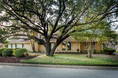 Benbrook Single Family Home For Sale: 4212 Ridglea Country Club Drive