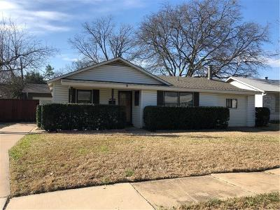 Haltom City Single Family Home For Sale: 4820 Stephanie Drive