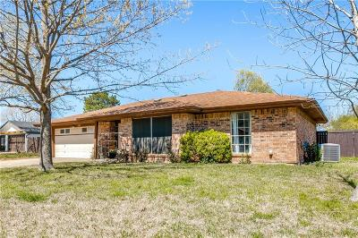 North Richland Hills Single Family Home For Sale: 8413 Springhill Court