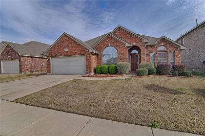 Arlington Single Family Home For Sale: 1504 Deer Crossing Drive