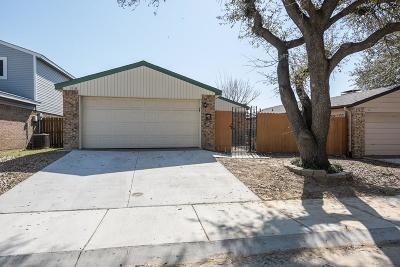 Carrollton Single Family Home For Sale: 2219 Bunker Hill Drive