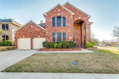 Tarrant County Single Family Home For Sale: 8310 Everglades Circle