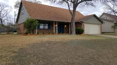 Garland Single Family Home For Sale: 109 E Harvard Drive