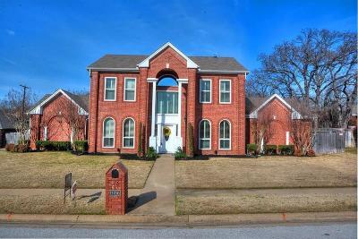 Keller Single Family Home For Sale: 1086 Oak Valley Drive