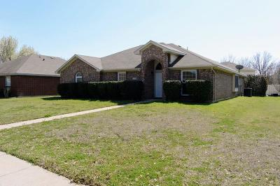 Cedar Hill Single Family Home Active Option Contract: 714 Crenshaw Drive