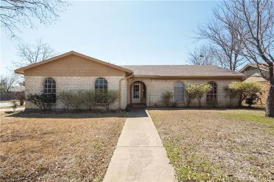 Saginaw Single Family Home For Sale: 444 Guadalupe Drive