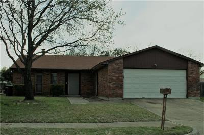 Fort Worth Single Family Home For Sale: 7604 Spicebush Road