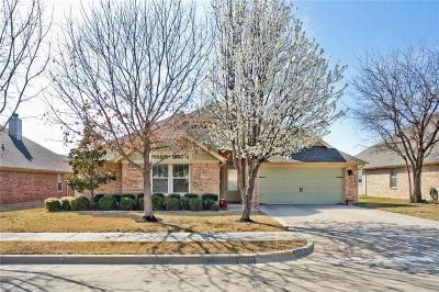 Fort Worth Single Family Home For Sale: 5725 Eldon Martin Street