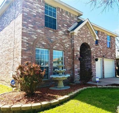Grand Prairie Single Family Home For Sale: 2759 N Hampton Drive