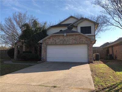 Grand Prairie Single Family Home For Sale: 2823 Linden Lane