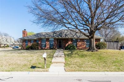 Highland Village Single Family Home Active Option Contract: 301 Greenleaf Street