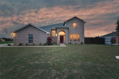 Tarrant County Single Family Home For Sale: 2612 Braford Drive