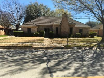 Arlington Single Family Home For Sale: 2701 Woodside Drive