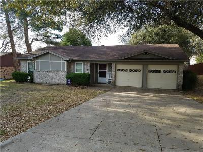 Benbrook Single Family Home For Sale: 1708 High Ridge Road