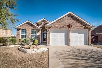 Waxahachie Single Family Home For Sale: 204 Bear Trail