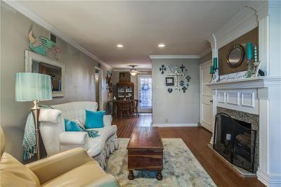 Dallas Condo For Sale: 5226 Fleetwood Oaks Avenue #115
