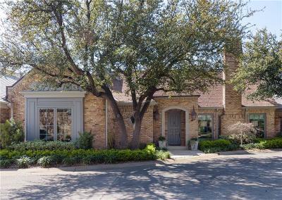 Dallas Single Family Home For Sale: 16 Saint Laurent Place