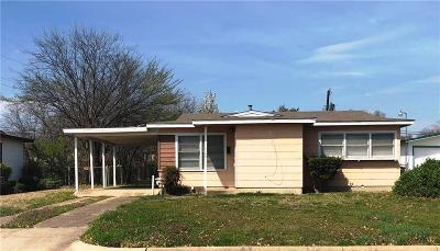 Fort Worth Single Family Home For Sale: 5509 Rickenbacker Place