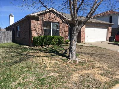 Arlington TX Single Family Home For Sale: $200,000