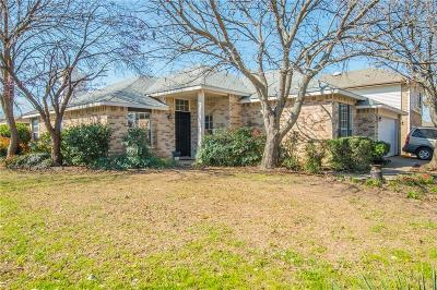 Arlington Single Family Home For Sale: 1100 Orangewood Lane