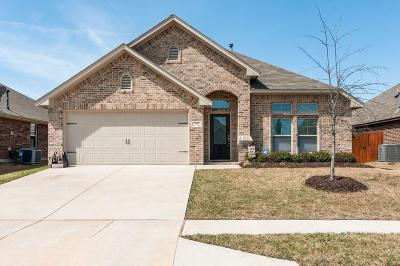 Fort Worth Single Family Home For Sale: 7437 Durness Drive