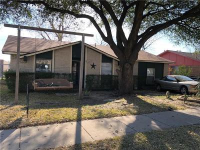Garland Single Family Home For Sale: 5213 Preston Trail