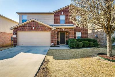 Fort Worth Single Family Home For Sale: 10037 Cougar Trail