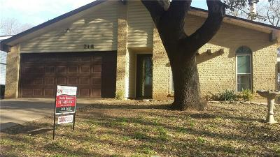 Grand Prairie TX Single Family Home For Sale: $165,000