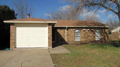 North Richland Hills Residential Lease For Lease: 6917 Newcastle Place