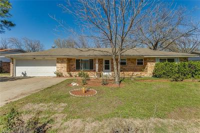 Burleson Single Family Home For Sale: 109 Dian Street