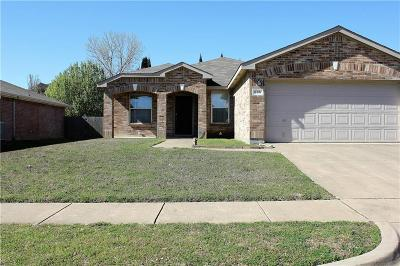 Cedar Hill Single Family Home For Sale: 534 Burleson Street