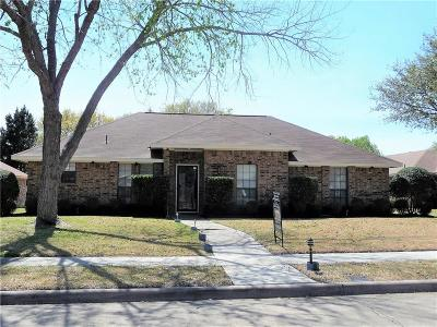 Plano Single Family Home For Sale: 2200 Covered Wagon Drive