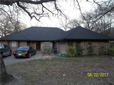 Azle Single Family Home Active Contingent: 128 Oak Hollow Court S