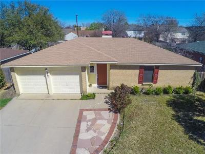 Arlington Single Family Home For Sale: 1807 Bayou Drive