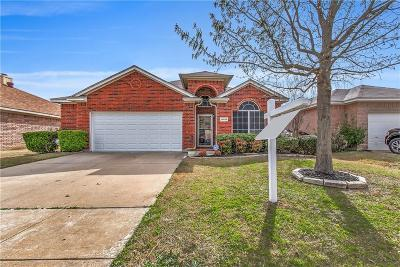 Fort Worth Single Family Home For Sale: 10525 Fossil Hill Drive