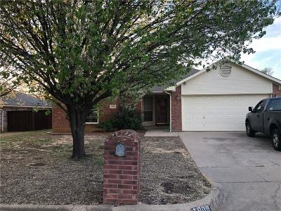 Fort Worth Single Family Home For Sale: 1908 Canterbury Circle