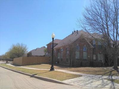 Half Duplex For Sale: 7176 Drummond Drive