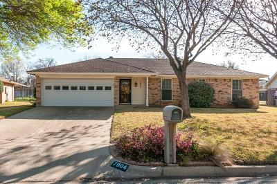 North Richland Hills Single Family Home Active Option Contract: 7004 Stoneridge Drive