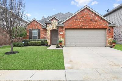 Fort Worth Single Family Home For Sale: 8801 Golden Sunset Trail