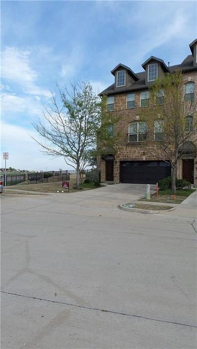 Irving Townhouse Active Contingent: 7864 Fox Horn Drive