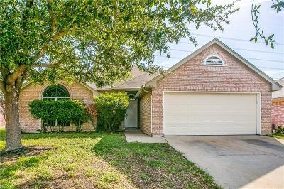 Arlington Single Family Home For Sale: 819 Packard Drive
