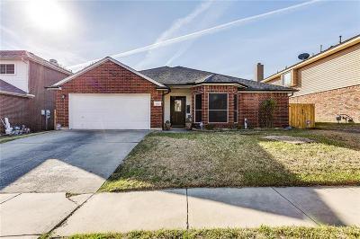 Arlington Single Family Home For Sale: 1006 Telluride Drive