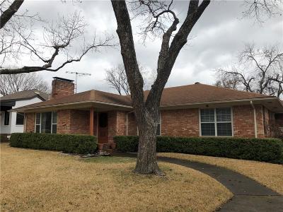 Dallas TX Single Family Home For Sale: $725,000